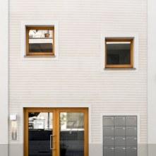 Frontfassade (Foto: A. Mirfendereski; Entwurf: K. Zeller)