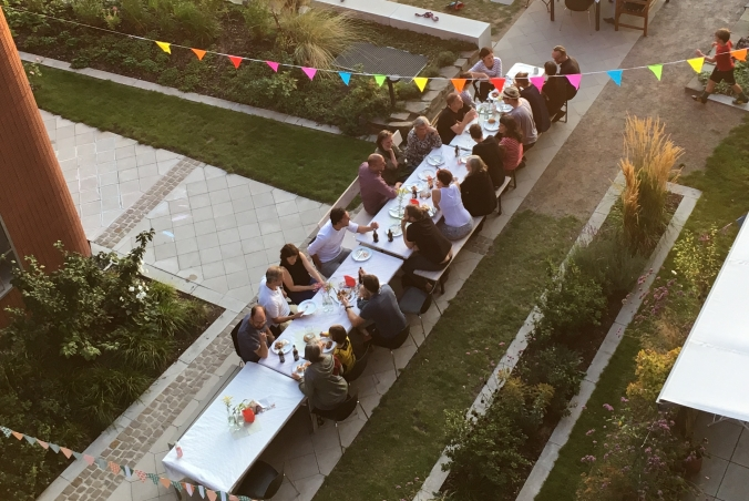 Szene von der E+ und Familien@Clouth Party